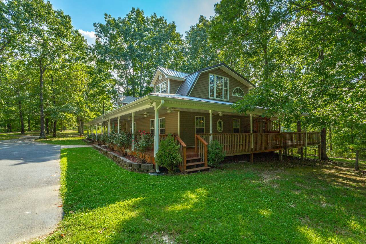 562 Woods Rd - Photo 1