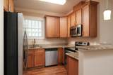 909 Wall St - Photo 11