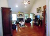 2922 Holliday Dr - Photo 6