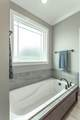 7632 Peppertree Dr - Photo 33