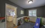 1613 Auburndale Ave - Photo 8