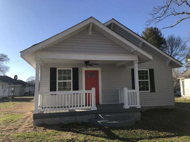 909 Stewart Ave, Chickamauga, GA 30707 (MLS #1275491) :: The Robinson Team