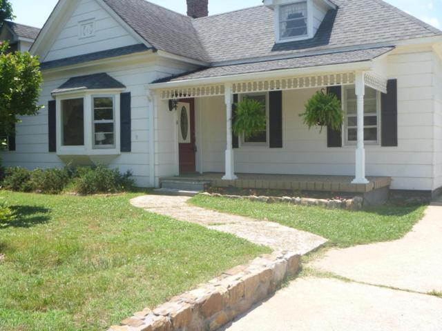 1003 Hood Ave, Chickamauga, GA 30707 (MLS #1283306) :: The Robinson Team