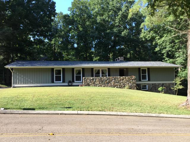 811 Skyline Park Dr, Signal Mountain, TN 37377 (MLS #1288345) :: Chattanooga Property Shop
