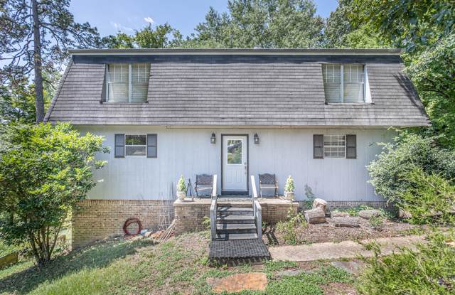 328 Pine Ridge Rd, Chattanooga, TN 37405 (MLS #1306448) :: Keller Williams Realty | Barry and Diane Evans - The Evans Group