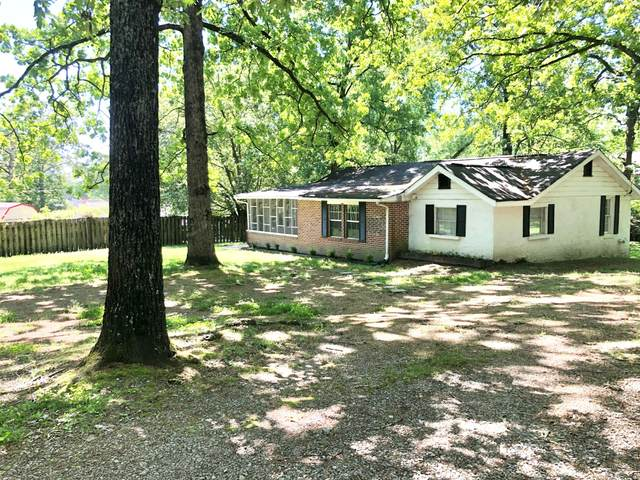 19 Chestnut St, Rossville, GA 30741 (MLS #1317194) :: The Edrington Team
