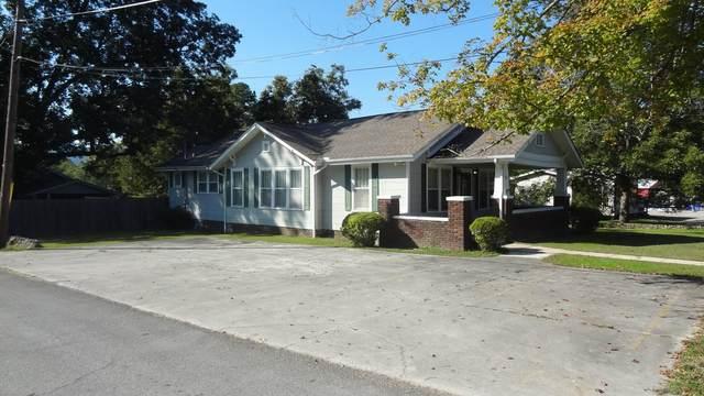 1413 Mcfarland Ave, Rossville, GA 30741 (MLS #1333047) :: The Jooma Team