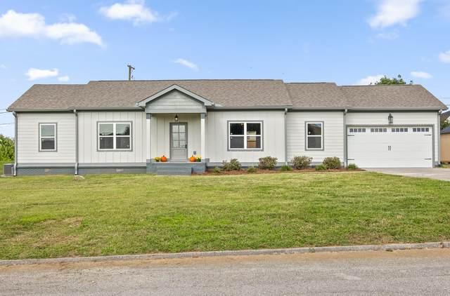 7925 Shallowmeade Ln, Chattanooga, TN 37421 (MLS #1342956) :: Elizabeth Moyer Homes and Design/Keller Williams Realty