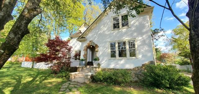 940 Ridgeway Ave, Signal Mountain, TN 37377 (MLS #1334593) :: Chattanooga Property Shop