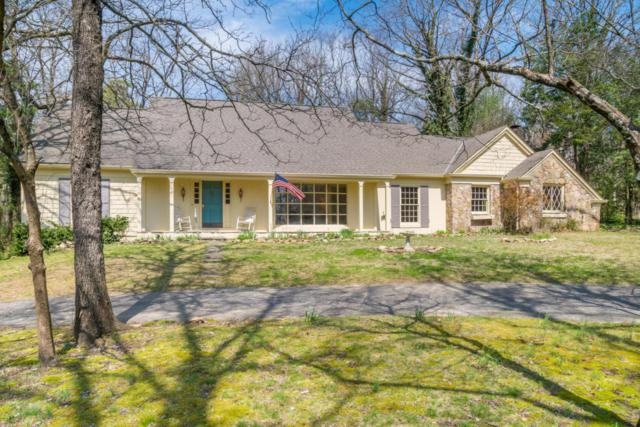 42 Carriage Hill, Signal Mountain, TN 37377 (MLS #1277628) :: Chattanooga Property Shop