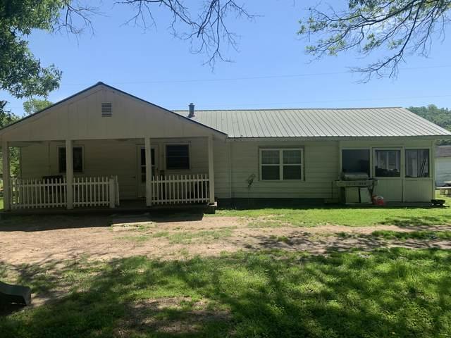 690 Yarborough Rd, Summerville, GA 30747 (MLS #1317221) :: Keller Williams Realty   Barry and Diane Evans - The Evans Group