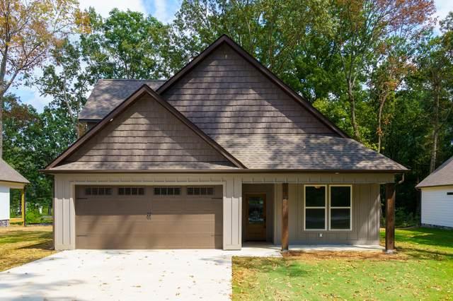 211 Lake Ave, Ringgold, GA 30736 (MLS #1342710) :: Elizabeth Moyer Homes and Design/Keller Williams Realty
