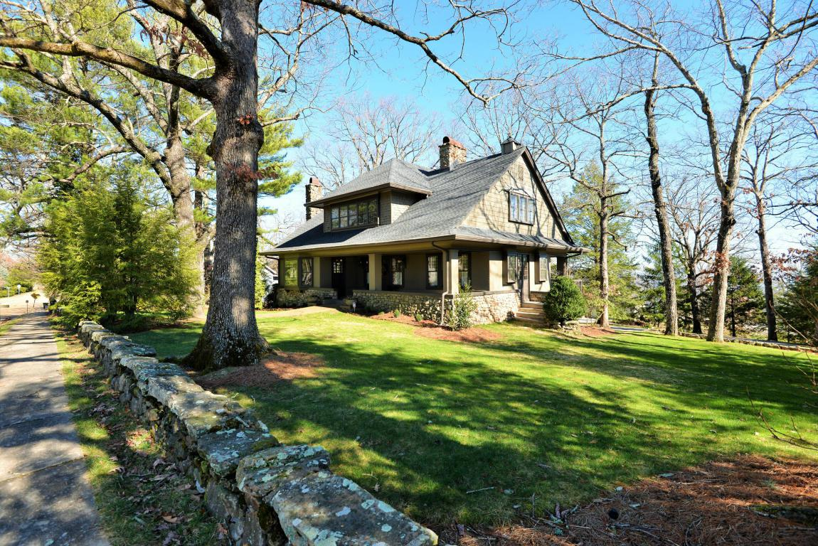 703 N Bragg Ave, Lookout Mountain, TN 37350 (MLS #1258291) :: Keller Williams Realty | Barry and Diane Evans - The Evans Group