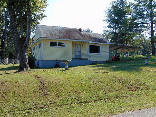 108 Clark St, Chickamauga, GA 30707 (MLS #1271143) :: Denise Murphy with Keller Williams Realty