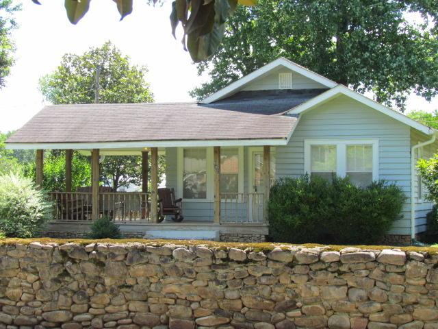 502 Phillips Ave, Jasper, TN 37347 (MLS #1301536) :: The Edrington Team