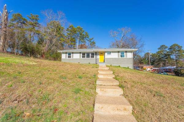 171 Hilltop Dr, Rossville, GA 30741 (MLS #1311844) :: The Jooma Team