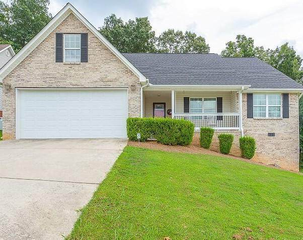 435 Fieldstone Dr, Ringgold, GA 30736 (MLS #1323526) :: Keller Williams Realty | Barry and Diane Evans - The Evans Group
