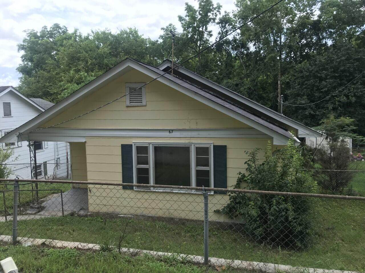 67 Hargrave Rd - Photo 1