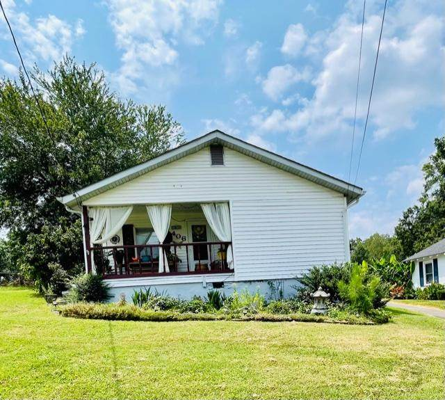 406 Chambers St, Rossville, GA 30741 (MLS #1340843) :: The Jooma Team