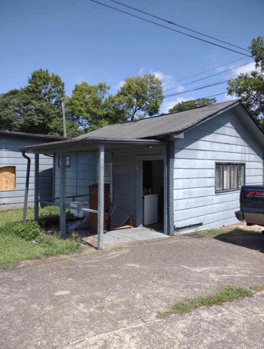 1600 Chippewa Ave - Photo 1