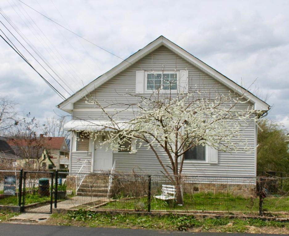 3117 10th Ave - Photo 1
