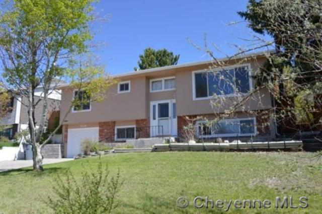 526 Killarney Dr, Cheyenne, WY 82009 (MLS #71698) :: RE/MAX Capitol Properties