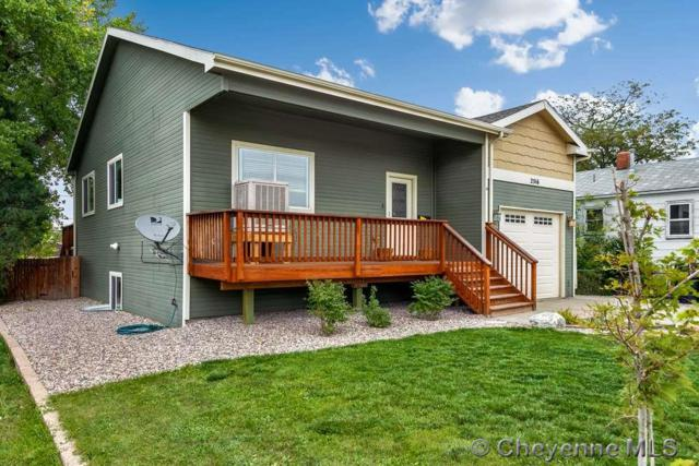 2516 E 10TH ST, Cheyenne, WY 82001 (MLS #72818) :: RE/MAX Capitol Properties
