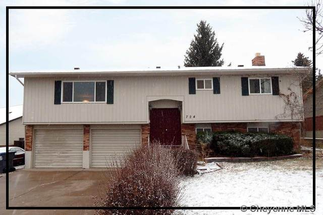 724 Hirst St, Cheyenne, WY 82009 (MLS #80664) :: RE/MAX Capitol Properties