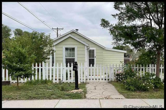 911 O Neil Ave, Cheyenne, WY 82007 (MLS #82628) :: RE/MAX Capitol Properties