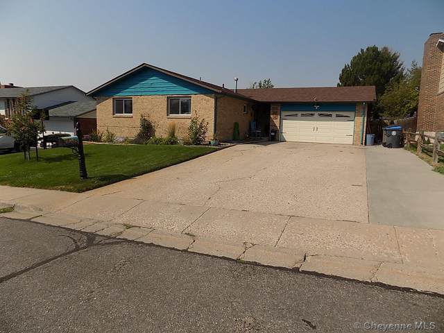 5014 Hickory Pl, Cheyenne, WY 82009 (MLS #83518) :: RE/MAX Capitol Properties