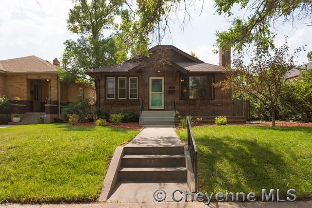 215 W 1ST AVE, Cheyenne, WY 82001 (MLS #69280) :: RE/MAX Capitol Properties