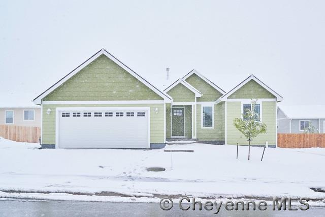 2009 Pine Ave, Cheyenne, WY 82007 (MLS #69633) :: RE/MAX Capitol Properties