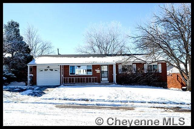 4409 E 17TH ST, Cheyenne, WY 82001 (MLS #70640) :: RE/MAX Capitol Properties