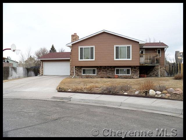 104 Rockcrest Ct, Cheyenne, WY 82009 (MLS #70870) :: RE/MAX Capitol Properties