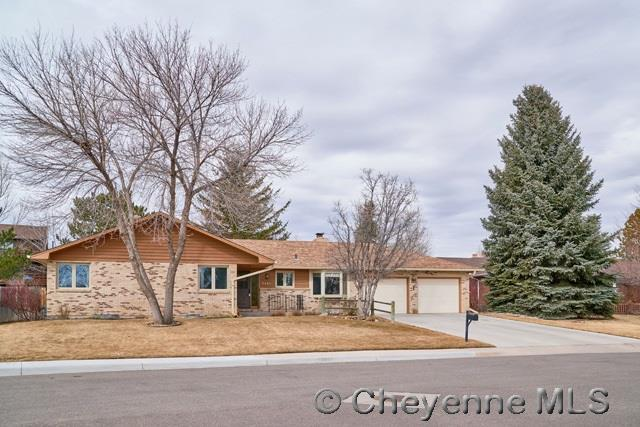 7016 Valley View Pl, Cheyenne, WY 82009 (MLS #70920) :: RE/MAX Capitol Properties