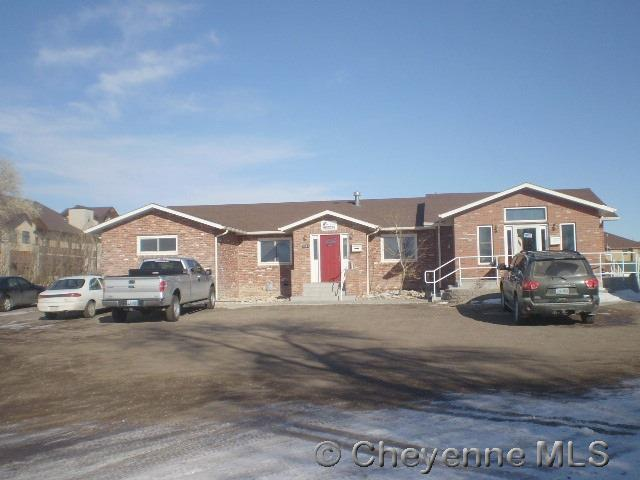 5917 Sunset Dr, Cheyenne, WY 82009 (MLS #71282) :: RE/MAX Capitol Properties