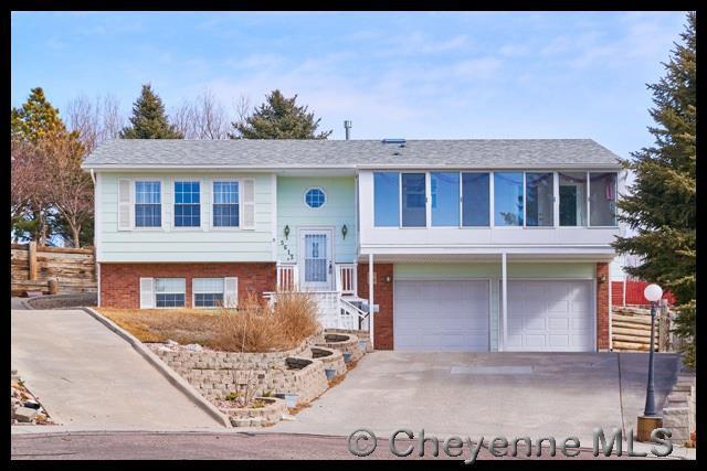 5613 Sun Ct, Cheyenne, WY 82009 (MLS #72093) :: RE/MAX Capitol Properties
