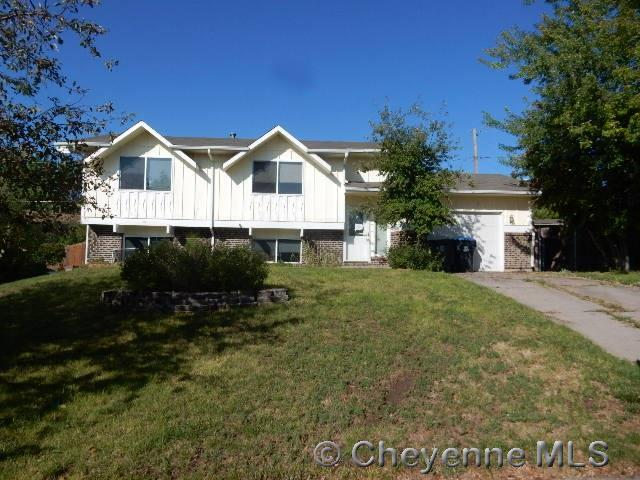 712 Cottonwood Dr, Cheyenne, WY 82001 (MLS #72559) :: RE/MAX Capitol Properties