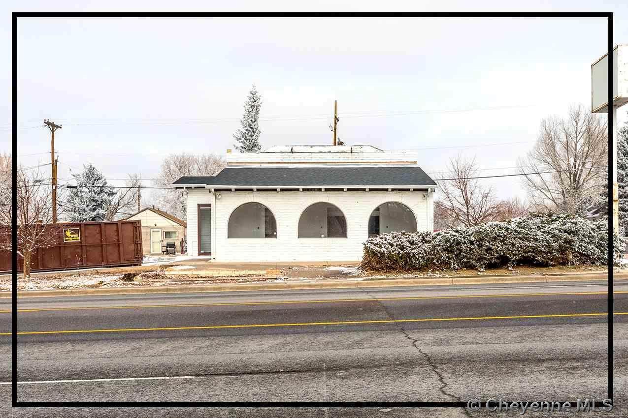 1218 Pershing Blvd - Photo 1