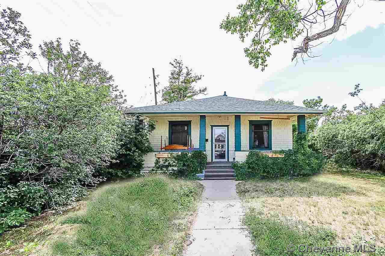 2512 Snyder Ave - Photo 1