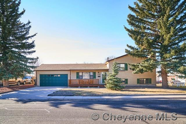 5500 Hilltop Ave, Cheyenne, WY 82009 (MLS #69925) :: RE/MAX Capitol Properties