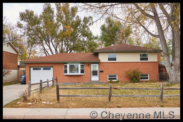 1501 Monroe Ave, Cheyenne, WY 82001 (MLS #70591) :: RE/MAX Capitol Properties