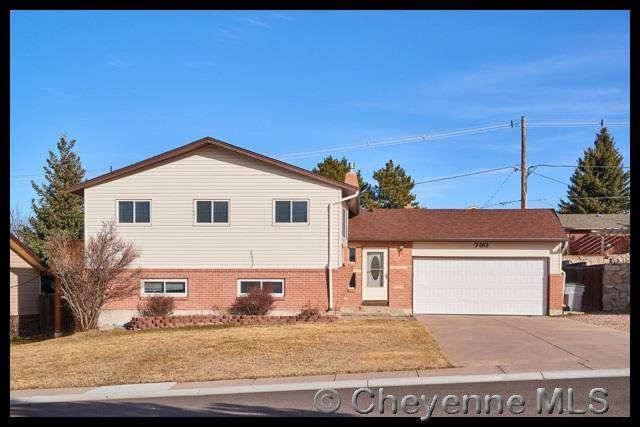 730 Hirst St, Cheyenne, WY 82009 (MLS #70936) :: RE/MAX Capitol Properties
