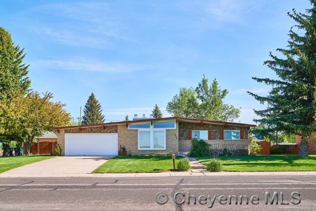 848 Western Hills B, Cheyenne, WY 82009 (MLS #67628) :: RE/MAX Capitol Properties