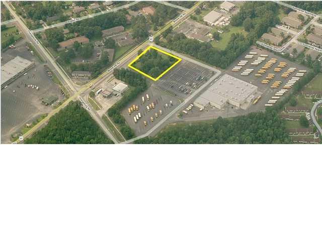 BOONE Hill Rd, Summerville, SC 29483 (#30443716) :: The Cassina Group