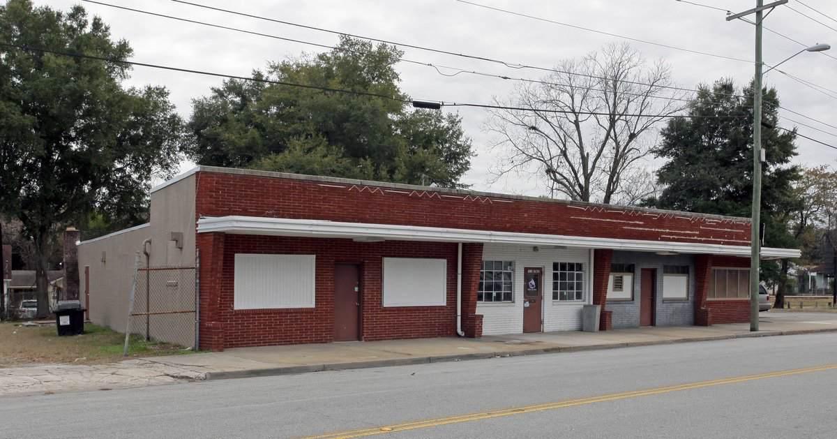 1831 Reynolds Ave - Photo 1