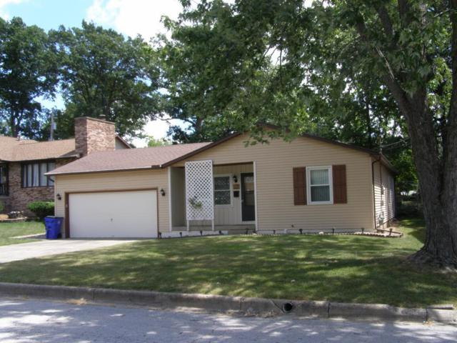 2848 Marcella, Decatur, IL 62521 (MLS #6183321) :: Main Place Real Estate
