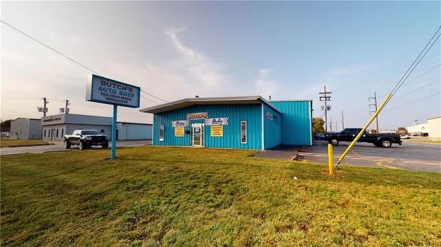 2090 Locust Street, Decatur, IL 62521 (MLS #6205987) :: Main Place Real Estate