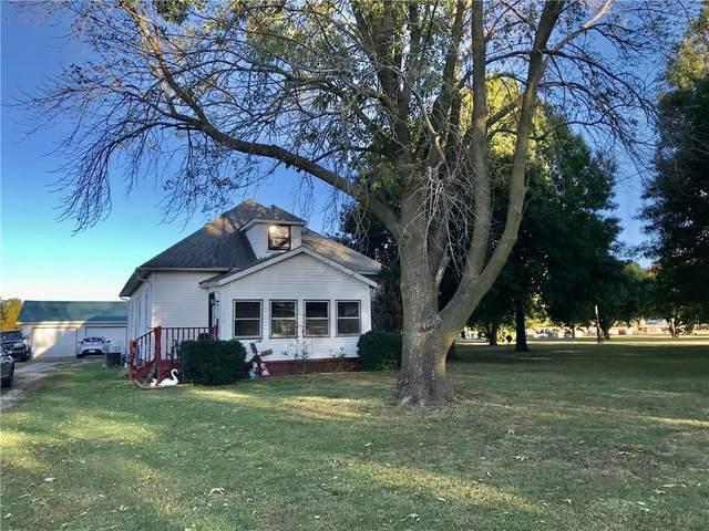 1112 N 19th Street, Mattoon, IL 61938 (MLS #6206362) :: Ryan Dallas Real Estate