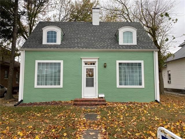 704 Fayette Avenue, Effingham, IL 62401 (MLS #6206405) :: Ryan Dallas Real Estate